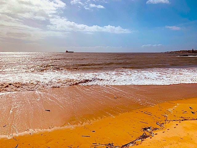 A quick trip from Lisbon to Caxias Beach